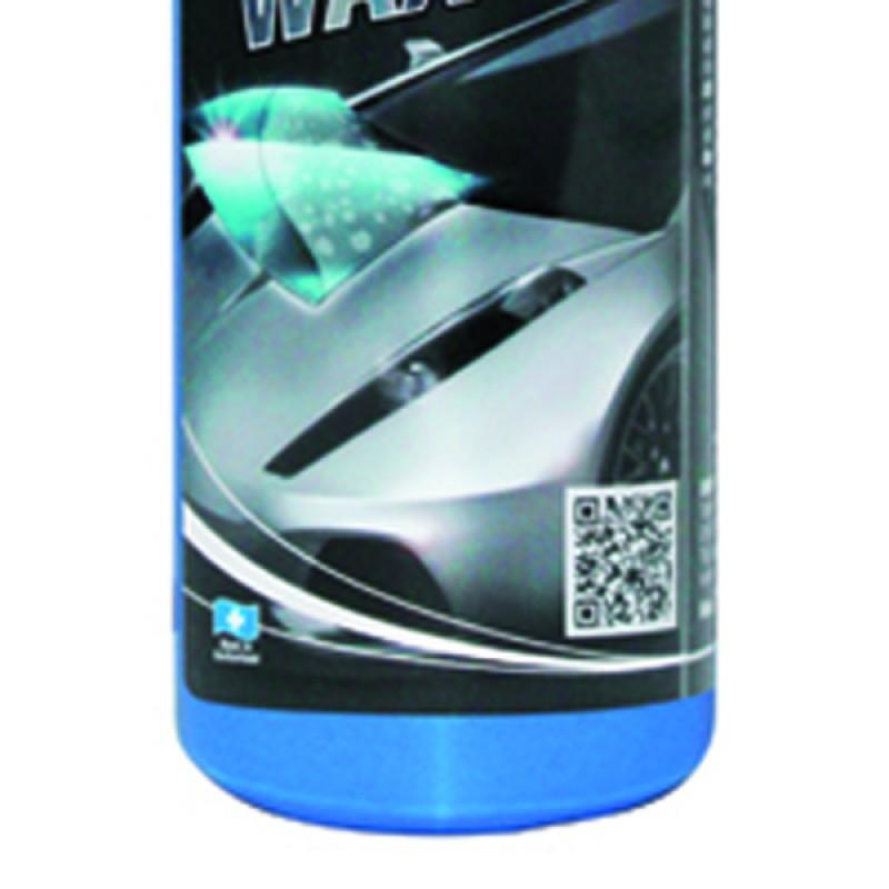 Quick waxing a car